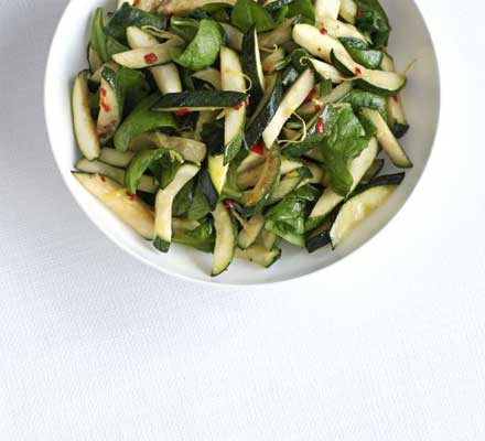Zingy courgette & spinach salad