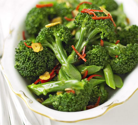 Broccoli with chilli & crispy garlic