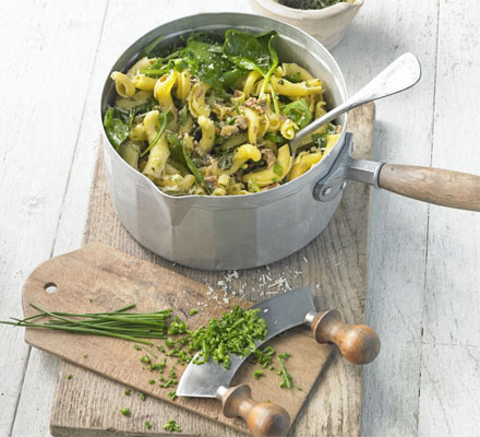 Pasta with pesto & fresh herbs