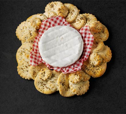 Fennel & poppy seed cracker wreath