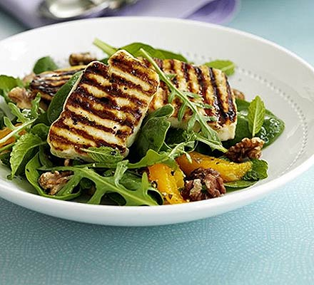 Halloumi salad with orange & mint
