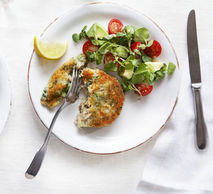 Salmon & broccoli cakes with watercress, avocado & tomato salad