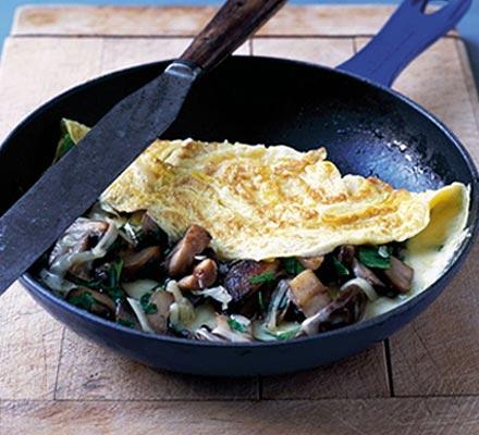 Cheesy mushroom omelette