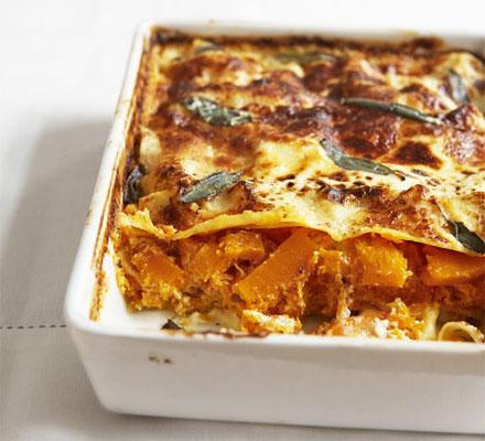 Squash, ricotta & sage pasta bake