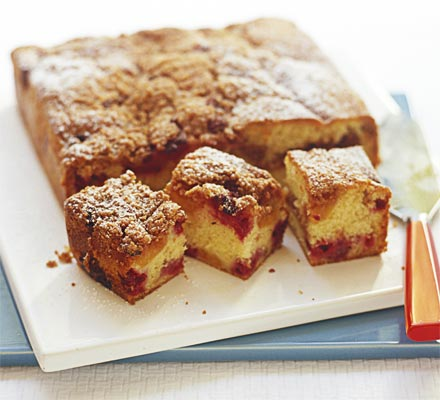 Apricot & raspberry buckle