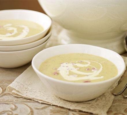 Spiced parsnip & ham soup
