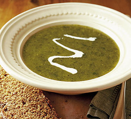 Chilled minty courgette soup