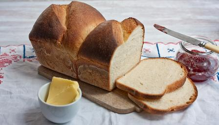 Sandwich bread loaf