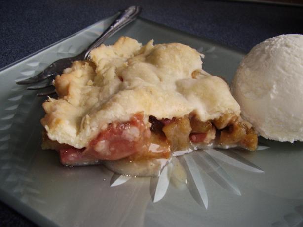 Deep Dish Rhubarb Pie