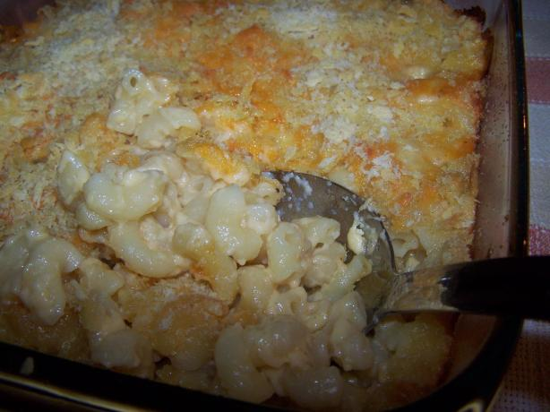 A Simple Baked Macaroni and Cheese