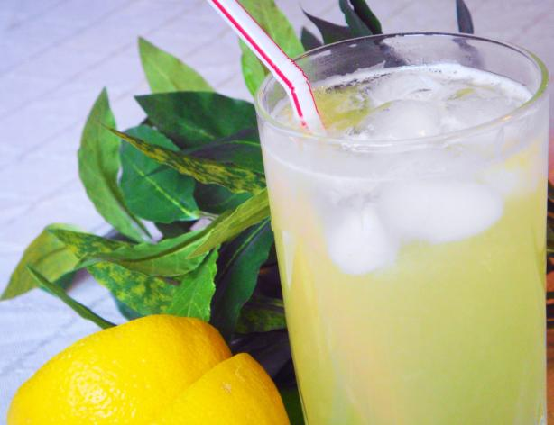 Perfect Lemonade (Real Lemons and Sugar)