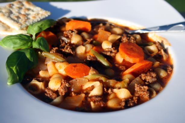 Mom's Ground Beef and Vegetable Soup