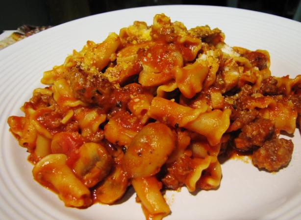 Pasta With Sausage, Tomatoes, and Mushrooms