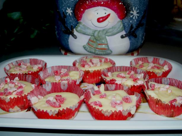 Peppermint (Butter) Fudge Cups