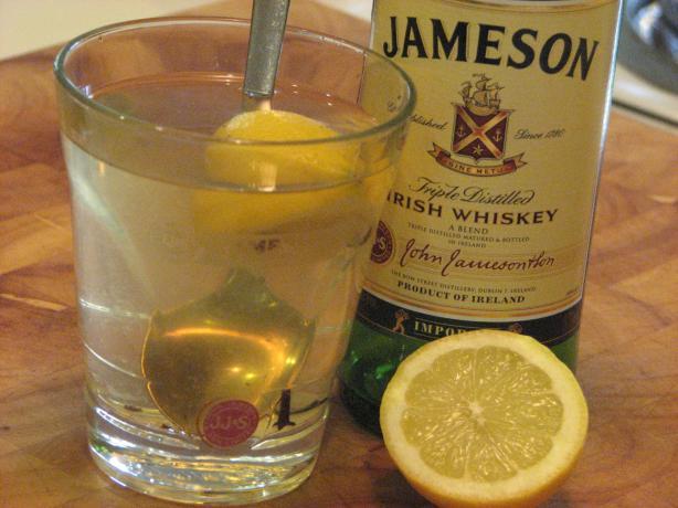 Hot Irish Whiskey (Hot Toddy).
