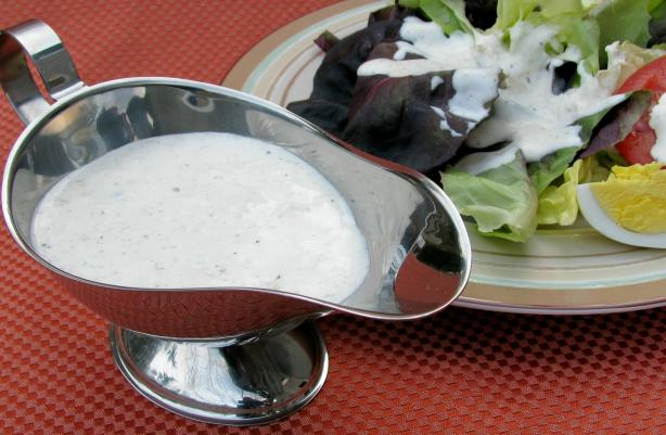 Growlies Parmesan Peppercorn Salad Dressing