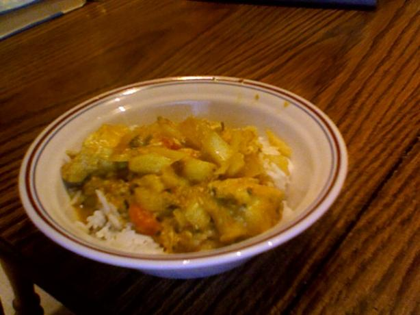 Crock Pot Curry Chicken With Onion and Tomato