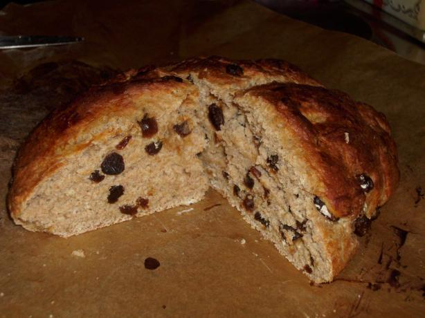 Yoghurt-Raisin-Bread