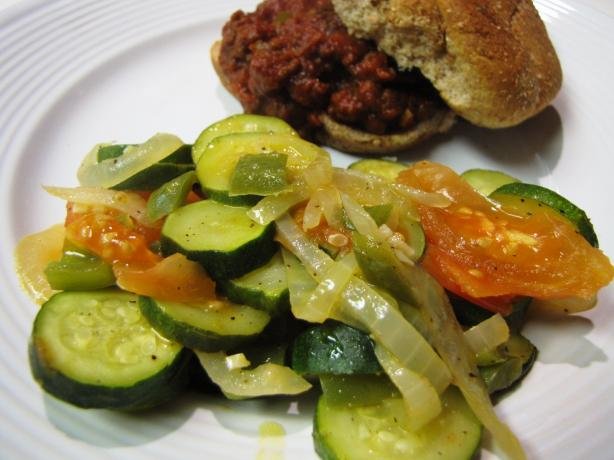 Zucchini With Bell Pepper and Tomato
