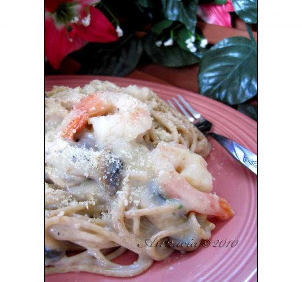 Nif's Spaghetti With Mushrooms and Shrimp for Two