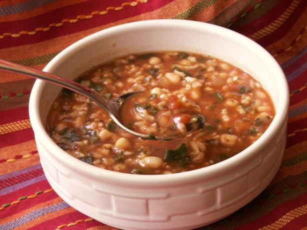 Crock Pot Savory Bean and Spinach Soup