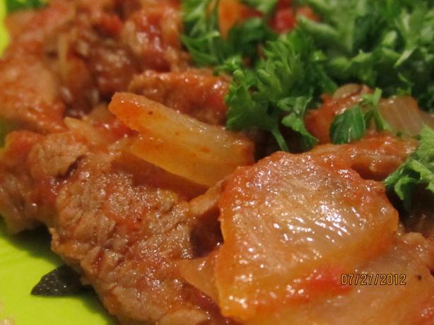 Portuguese Beef and Onions (Bifes De Cebolada)