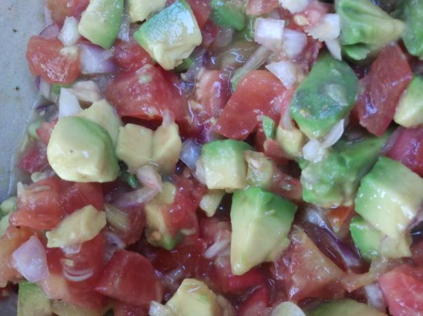 Tomato and Avocado Salad a La Caribe