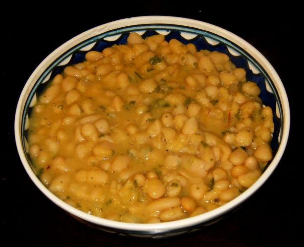 Fassuliah K'dra -- Beans With Saffron (Morocco - North Africa)
