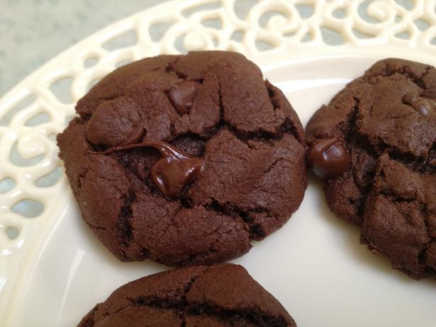 Ring of Fire Chocolate-Chipotle-Chocolate Chip Cookies