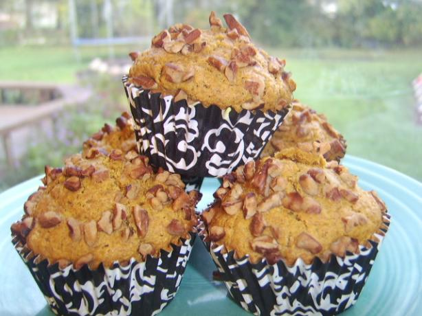 Kansas Pecan Topped Pumpkin Muffins (Good Housekeeping )