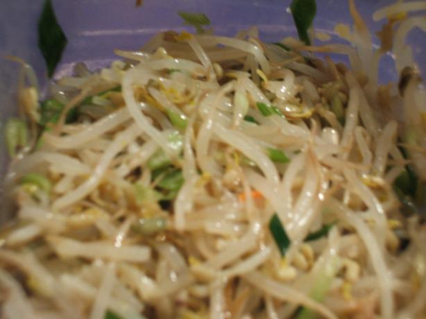 Seasoned Mung Bean Sprouts--Sukju Namul Muchim