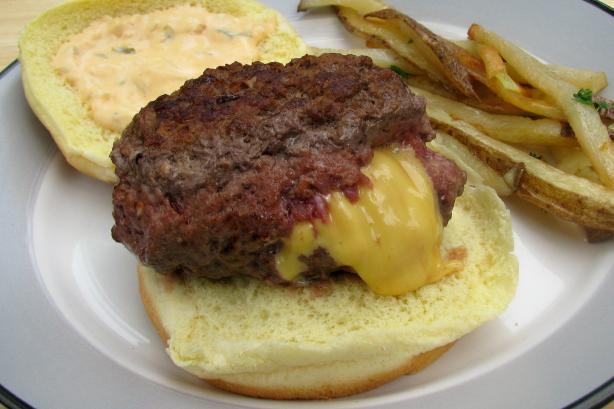 Jucy Lucy Cheeseburger