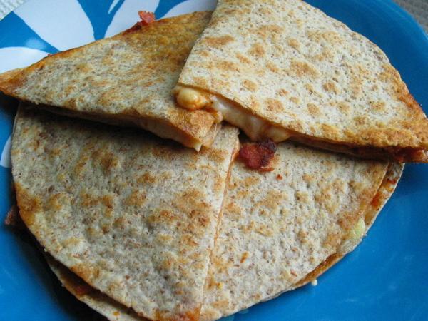 Lunchbox Pizza Quesadilla