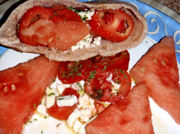 Gibna Wi Bateegh (Cheese and Watermelon)