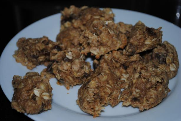 Low-Fat Oatmeal Apricot Cookies