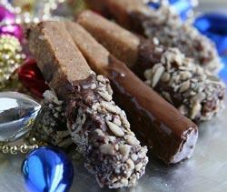 Crunchy Chocolate Dipper Sticks