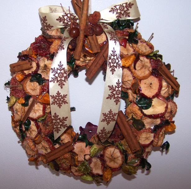 Cinnamon Apple Wreath