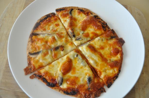 Mushroom Flatout Pizza