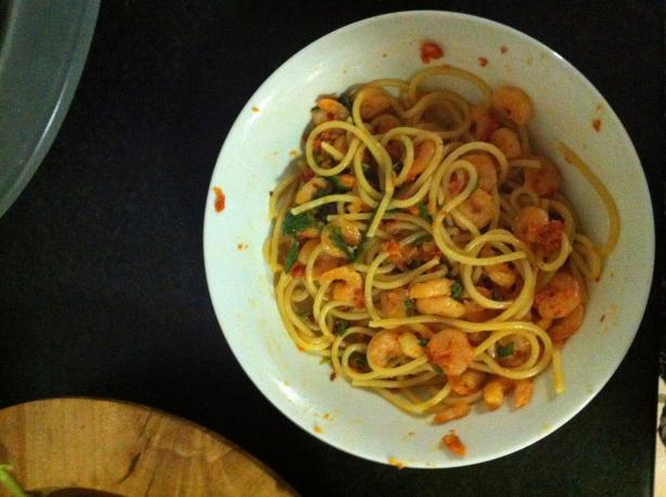 Spaghetti With Prawns and Rocket