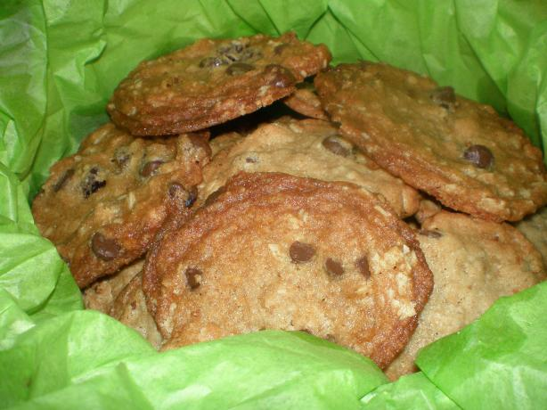 The Best Oatmeal Chocolate Chip Cookies!!