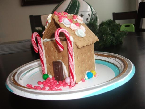Family Fun's Gingerbread House for Toddlers