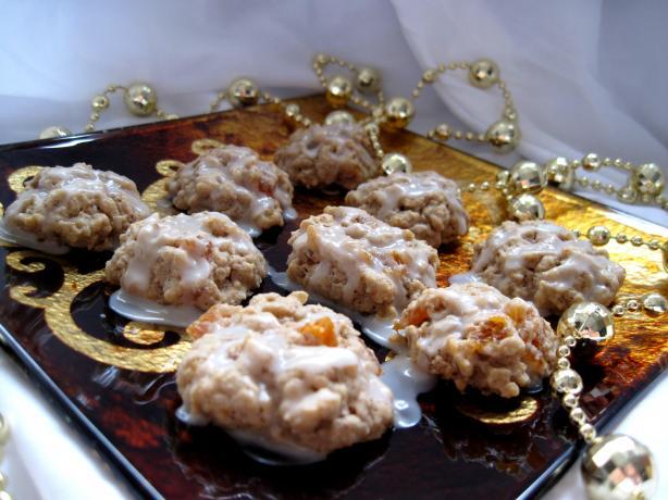 Amaretto Apricot Cookies