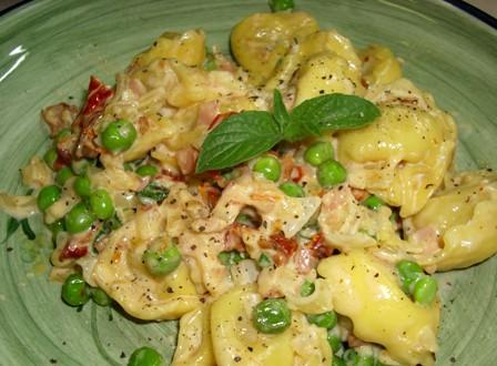 Tortellini With Ham and Peas