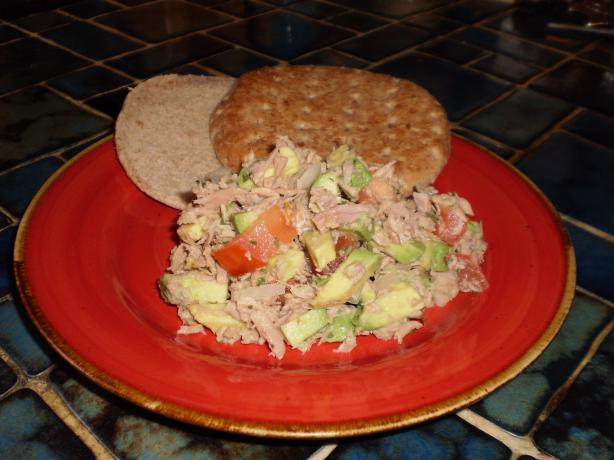 Avocado Tuna Salad in Pita Bread