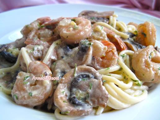 Spaghetti With Shrimp and Mushrooms