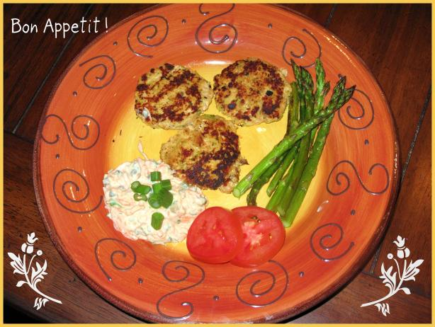 Salmon Cakes With Remoulade