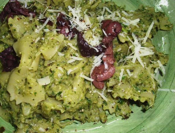 Bow Ties With Broccoli Pesto
