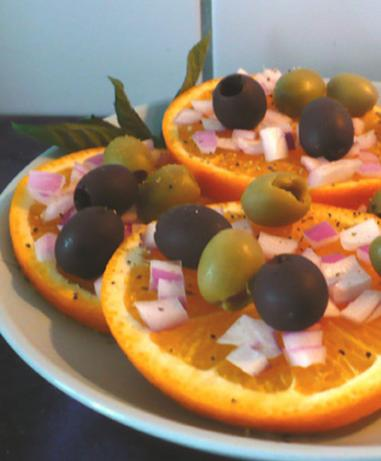 Orange, Onion and Olive Salad (Munkaczina)
