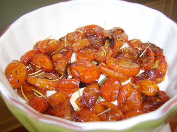 Oven-Baked Balsamic Cherry Tomatoes With Rosemary