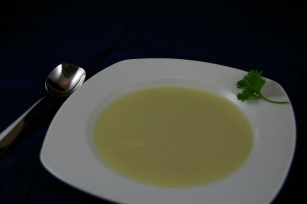 Skorthózoumi (Greek Garlic Soup)